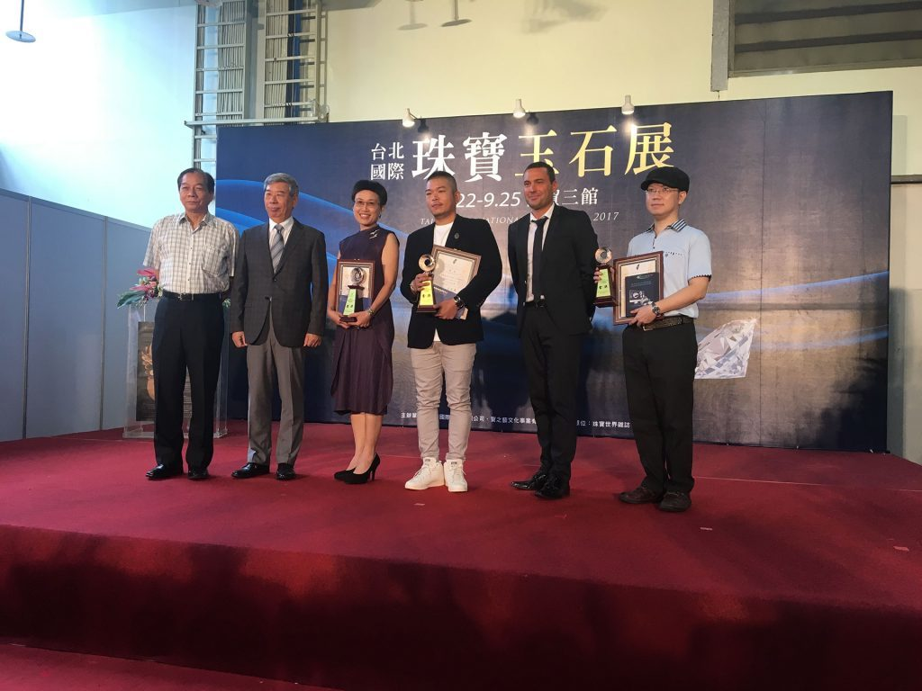 David Lehmann with the winners of the TCJDA jewlry contest in Taipei 2017